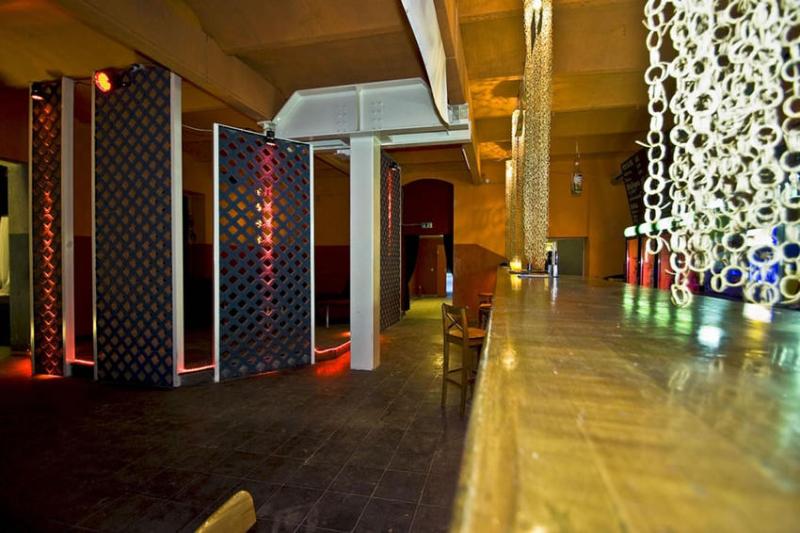 floor1_bar2